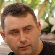 Автор Максим Калашников