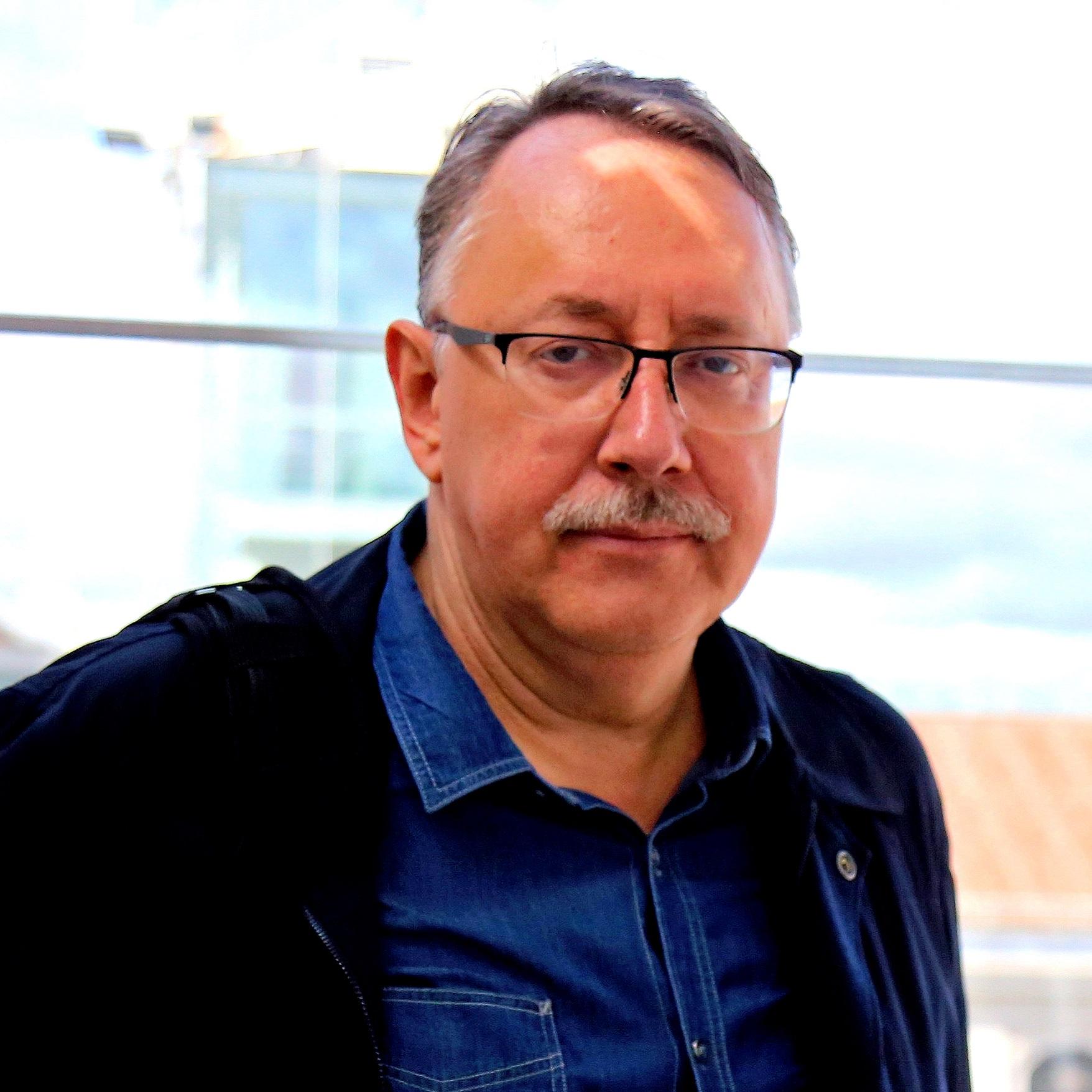 Автор Андрей Борисович Троицкий